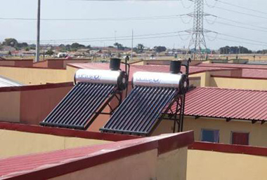 Picture 2: Solar Water Heaters and Partnership Pays at Joe Slovo