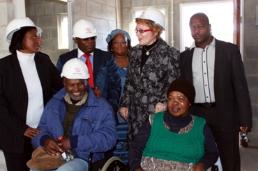 Picture 4: Disabled PHP Beneficiaries with Premier Zille and Minister Madikizela