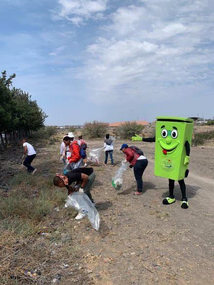 billy the bin at clean up2.jpeg