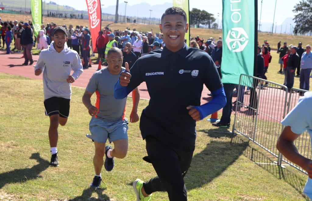 A runner from WCED pushing hard during the 6km cross country run