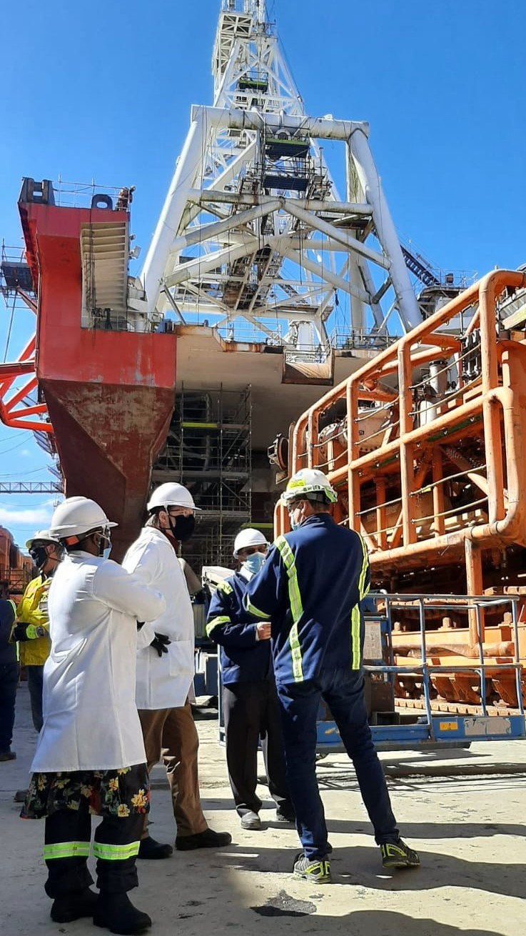 Minister Maynier visits De Beers Marine
