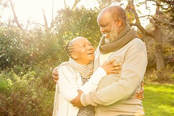 elderly couple enjoying the outdoors