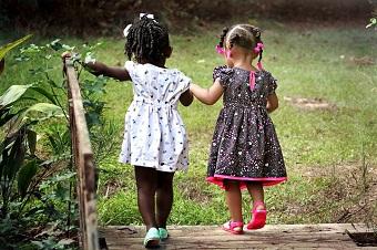 girls-race-huma-rights-day.jpg