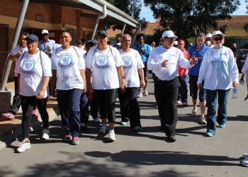 Hanover Park community walk with Premier Zille, Minister Botha, and members of the community.