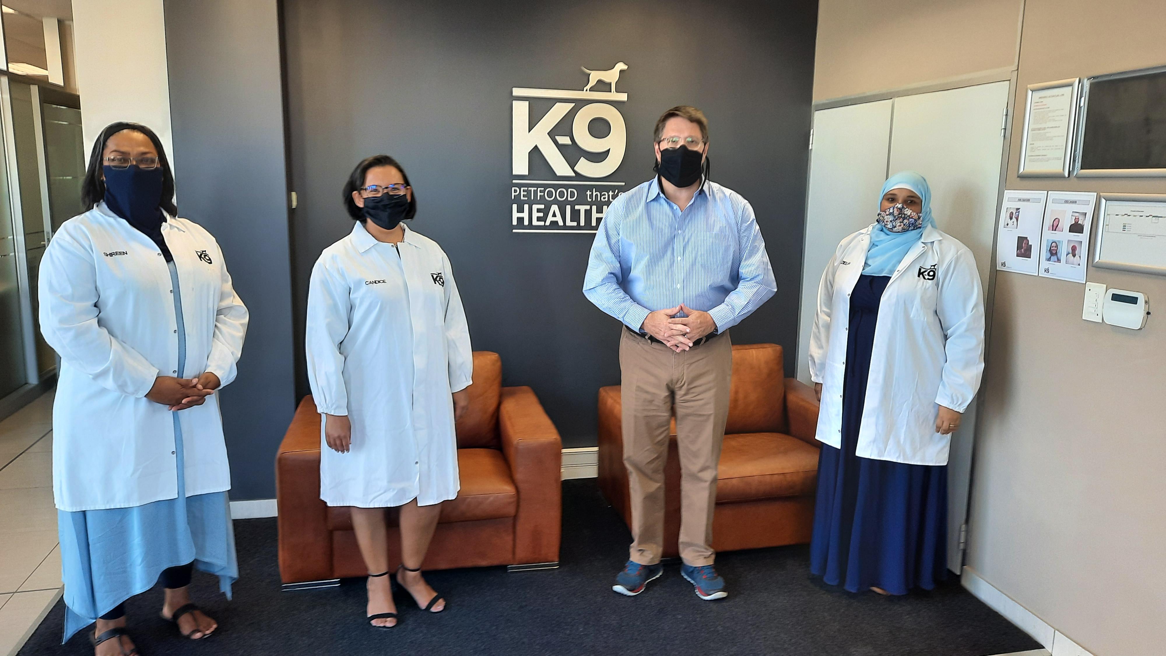Minister Maynier visits K9 Petfoods