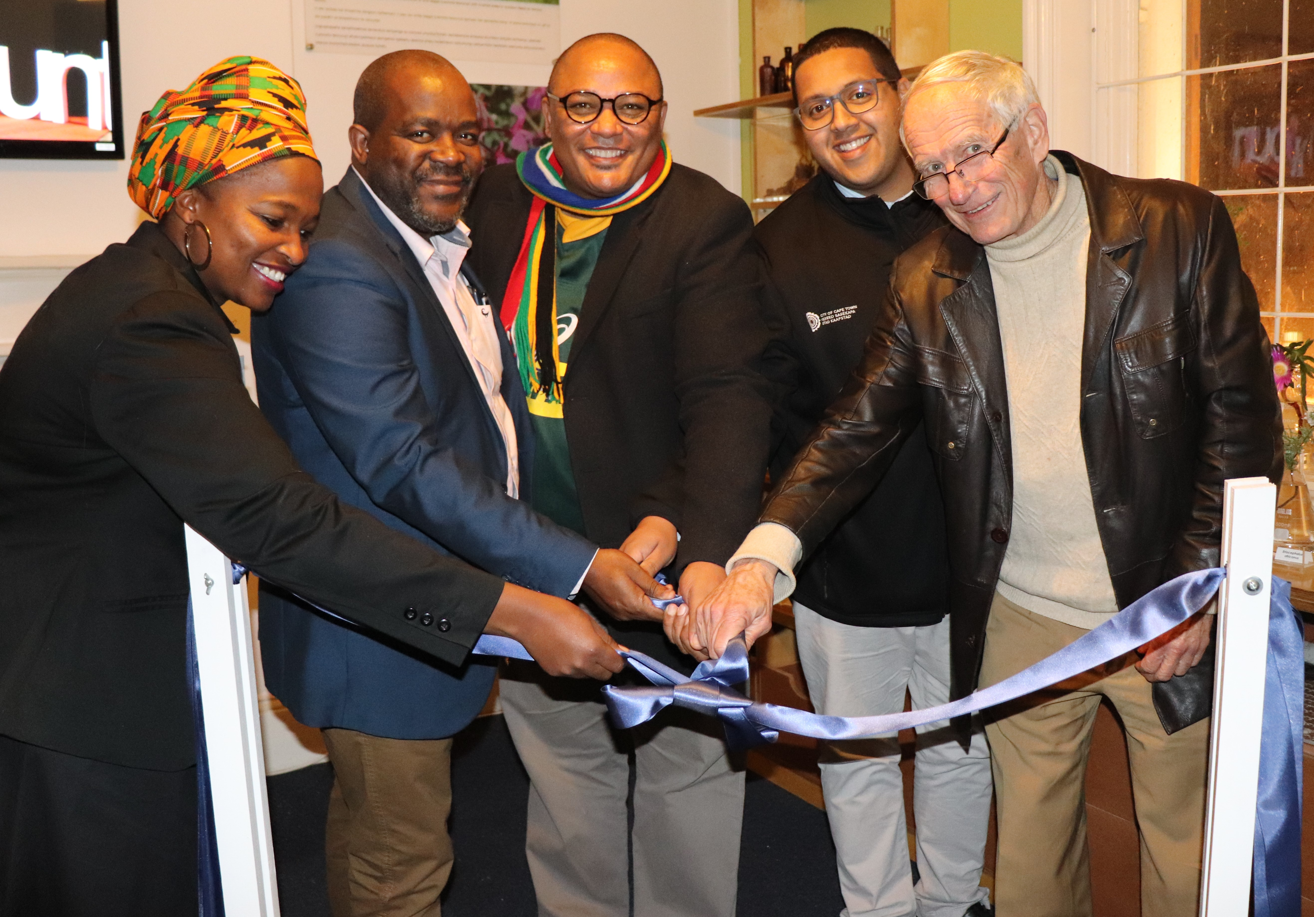 Kholiwe Dubula, Dr Mxolisi Dlamuka, Chief Director Guy Redman, Dr Zahid Badroodien and Prof Peter Gordon officially launch the exhibition at the Cape Medical Museum