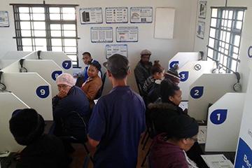 Cape Access Programme through the Kranshoek e-Centre provide access to Information and Communication Technology.