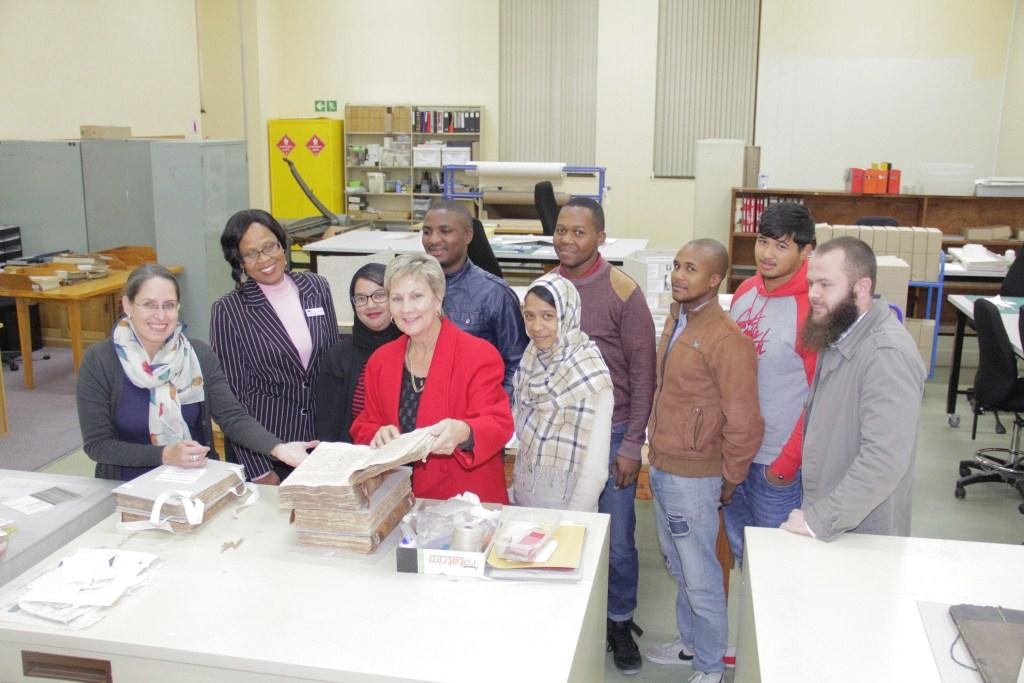 Mary Minicka introduced Minister Marais to the EPWP  Preservation Services Team