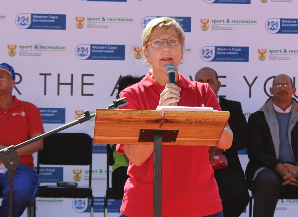 Minister Anroux Marais welcoming participants to the Eden and Central Karoo Better Together Games.