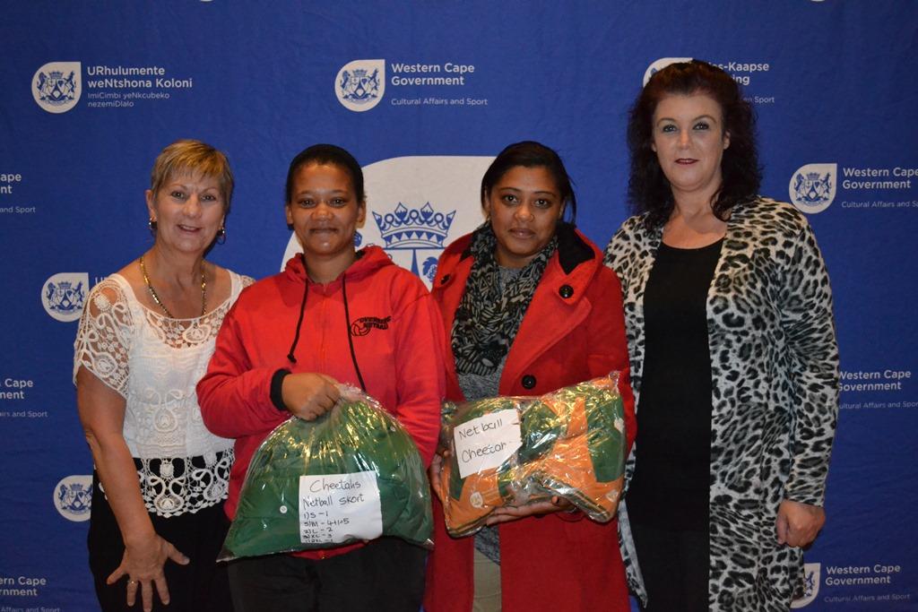 Minister Anroux Marais handed over netball kits to the Cheetahs Netball Club