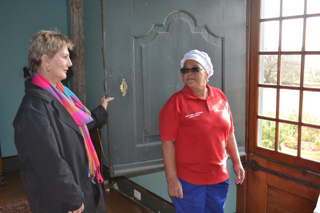 Minister Marais with Magdalena Afrika at Bien Donne