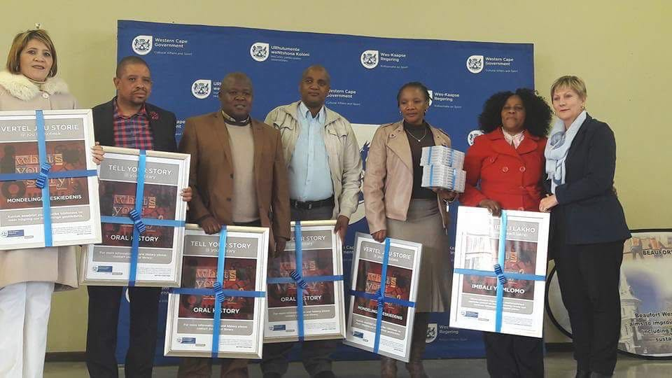 Minister Marais with staff of participating libraries and senior municipal staff