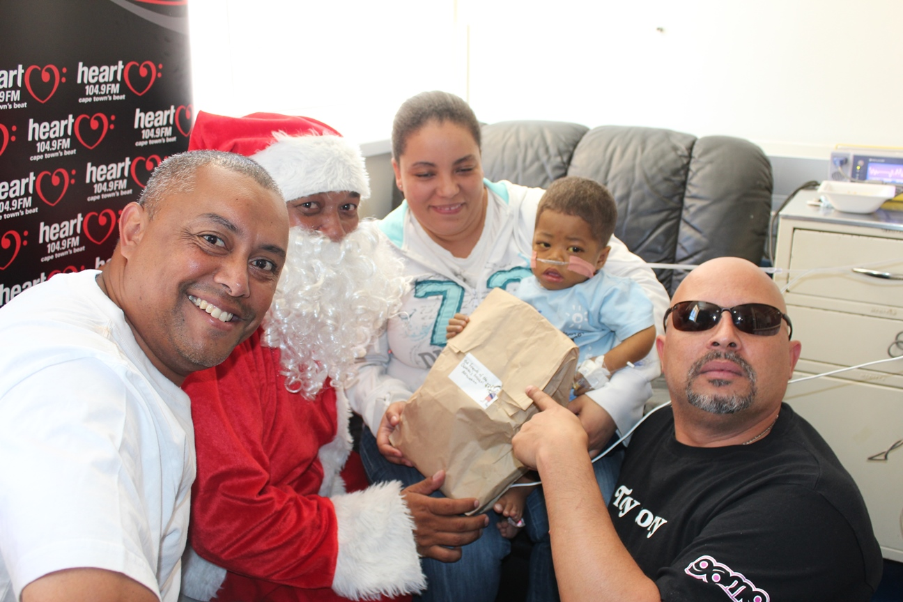 Cavalcade Brings Santa Claus to Town | Western Cape Government