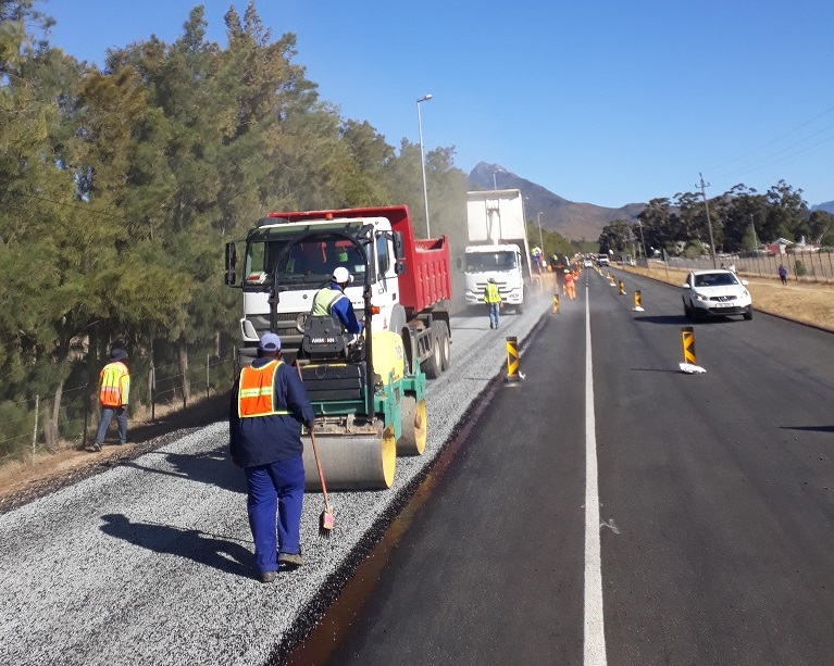 Roadworks on the R44