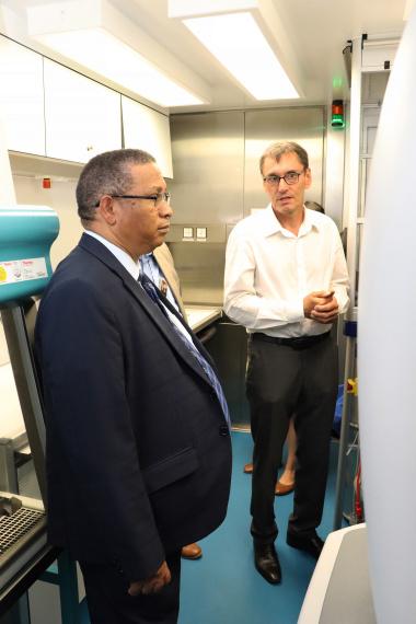 Biomedhelix director, Uwe Schoen and Minister Ivan Meyer