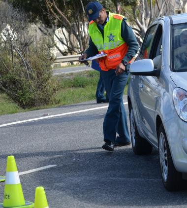 A K78 roadblock operation in Mossel Bay.