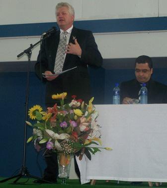Alan Winde addresses visitors at Supplier Open Day