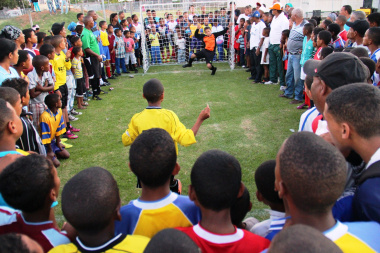 An exciting penalty shootout between South End (Mozambique) and Phantom Orion (Ghana).