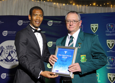 Ashwin Willemse with one of the sportman of the year nominees at the Eden Sport Awards in Oudtshoorn