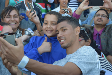Avid fans got the opportunity to take selfies with Wayde van Niekerk.