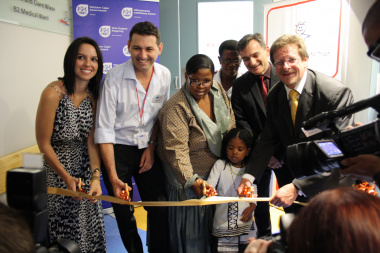 Clare Wiese, Dr Marco Zampoli, Babalwa Dlakavu, Sr Lindiwe Teto, Spencer McNally and Minister Theuns Botha officially opened the newly upgraded B2 Ward.