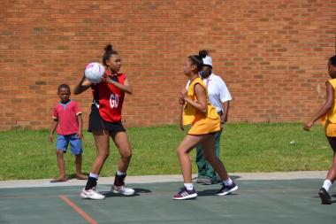 Bernadino Heights Secondary competing against Scottsdene HIgh in netball
