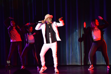 Chad van Rooyen, a MOD Programme graduate, opened the show and thrilled the audience with his dance moves
