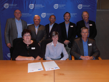 City of Cape Town, Department of Transport and Public Works and Golden Arrow Bus Services sign MOU.