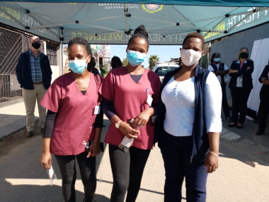 Community health workers Nozipho Nyakatya,Nosisi Peter and professional nurse Kayakazi Msebenzi