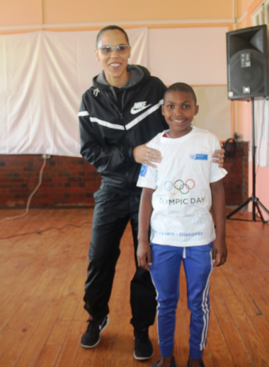 Dayaan Arendse with his Olympic T-shirt after answering questions in the quiz correctly.