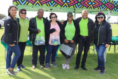 Deputy Director Nicolette Pietersen with the Old Mutual Team who sponsored spot prizes at the Overberg BTG