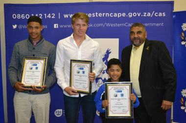 Deputy Director Roderick Siljeur with the nominees for junior sportsman of the year of the Overberg Sport Awards