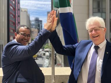 Premier Winde congratulates the new DG, Harry Malila