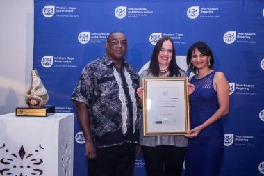 Director Cecilia Sani with representatives from D'Almeida public library