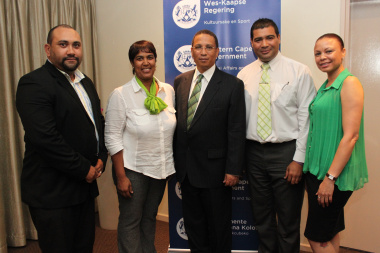 Dr Ivan Meyer and staff members of Old Mutual that attended the event