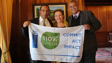 Minister Meyer, Premier Helen Zille and Adv. Lyndon Bouah (DCAS Sport and Recreation) with the flag.