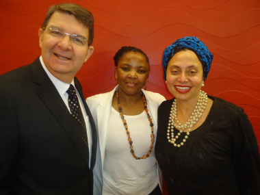 Dr Mbombo with Artscape CEO Michael Maas and Director of Audience Development & Education Marlene le Roux