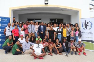 Drakenstein Mayor, Alderman Conrad Pool, with enthusiastic Arts Week participants at the new Simondium Hall