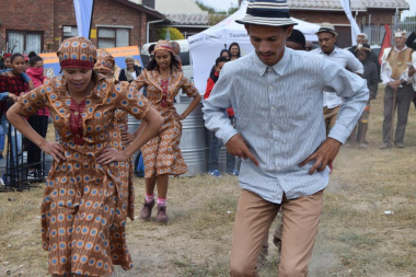 Energetic rieldancers showed off their franctic footwork in the sand on Heritage Day in the West Coast