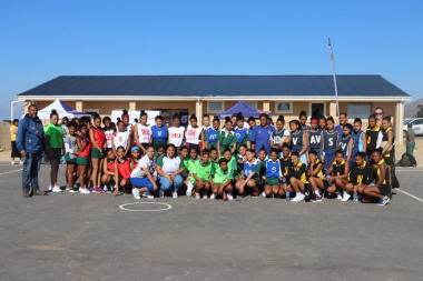 Enthusiastic netball U-15 players proudly stood their ground in new sport attire at the RSDP Games in Villiersdorp