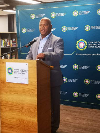 Executive Mayor of the City of Cape Town Dan Plato officiated at the opening ceremony in Dunoon