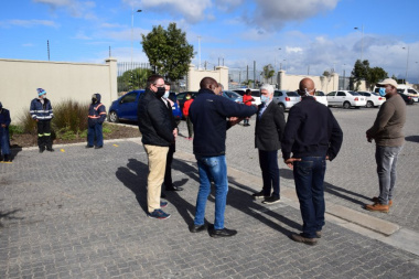 Minister Maynier visits businesses in Dunoon, Cape Town