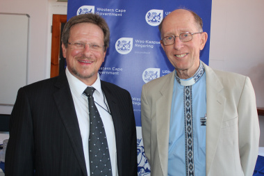 Western Cape Health Minister Theuns Botha shares a moment with Rev John Frye, who benefitted from the new intervention.