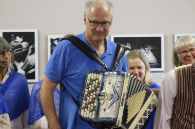 Gösta Petersen made sure he showed everyone what he can do on the accordion
