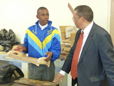 Swartland Secondary School, Grade 10 Civil technology learner, MacNeal Grant describing his project to Minister Meyer.