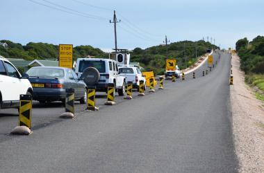 Half width construction with StopGo system on the Glentana road.