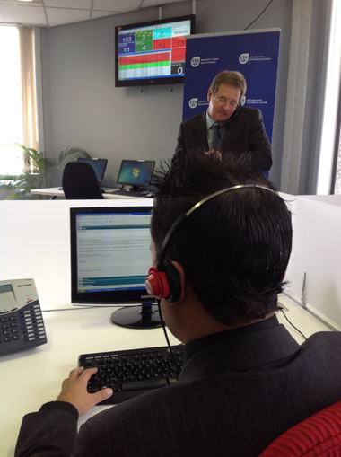 Minister Theuns Botha at the Health call centre.
