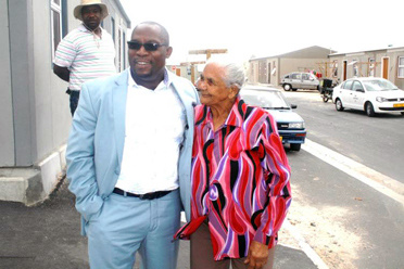 83 Year Old Beneficiary Receives House in Delft