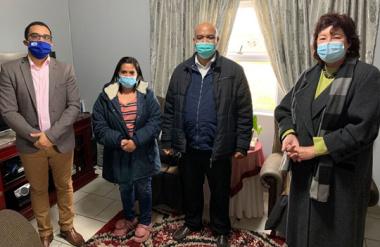 L – R: Western Cape Minister of Human Settlements, Tertuis Simmers, Mrs Chantel Williams, Mr Hilton Williams and Stellenbosch Executive Mayor, Advocate Gesie van Deventer