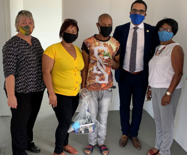 Bergrivier Deputy Mayor, Alderlady Sandra Crafford, Mrs. Christine Syster, Mr Wilfred Syster, Western Cape Minister of Human Settlements, Tertuis Simmers and Ward Councillor Audrey Small.